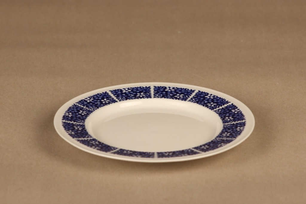 Arabia Pitsi salad plate designer Raija Uosikkinen