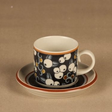 Arabia Taika coffee cup designer Inkeri Leivo