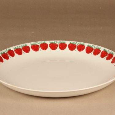 Arabia Pomona Strawberry serving plate designer Raija Uosikkinen