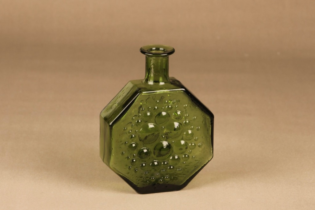 Riihimäen lasi Stella Polaris koristepullo, vihreä, suunnittelija Nanny Still,