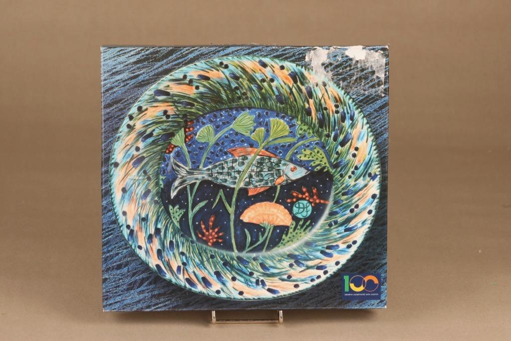 Arabia Hubertus lautanen, Pro Arte Ahven, suunnittelija Dorrit von Fieandt, Pro Arte Ahven