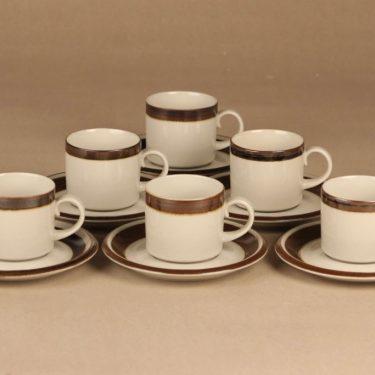Arabia Karelia kahvikuppi, valkoinen, ruskea, suunnittelija Anja Jaatinen-Winquist, raitakoriste