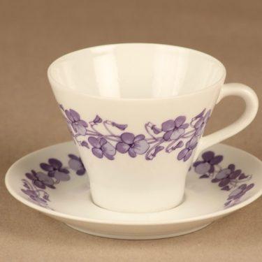 Arabia Viola kahvikuppi, violetti, suunnittelija Raija Uosikkinen, serikuva, kukka
