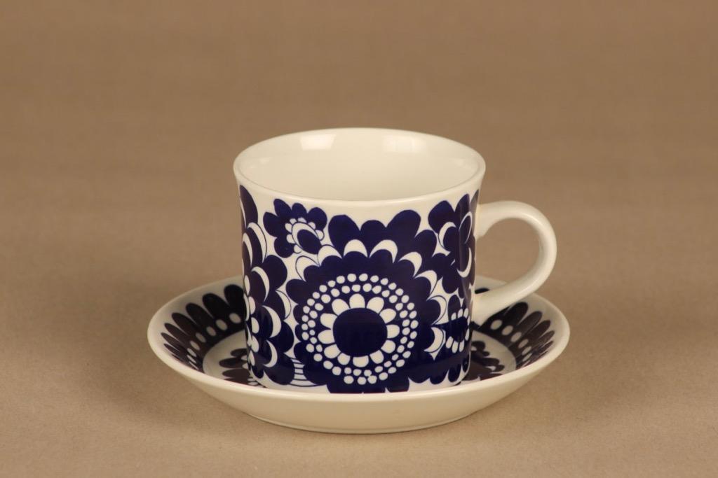 Arabia Arabia 100 vuotta muki ja lautanen, sininen, suunnittelija Esteri Tomula,