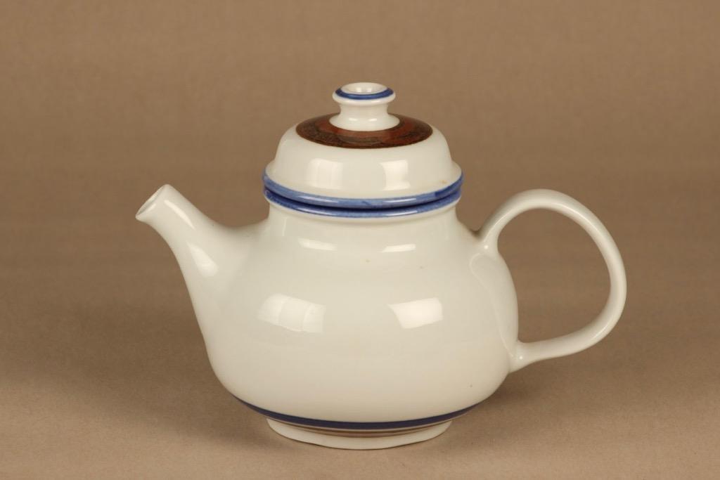 Arabia Wellamo kahvikaadin, Korkeus 12.9-18.5 cm, suunnittelija Peter Winquist, Korkeus 12.9-18.5 cm, raitakoriste