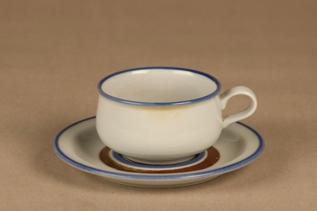Arabia Wellamo kahvikuppi, käsinmaalattu, suunnittelija Peter Winquist, käsinmaalattu, raitakoriste