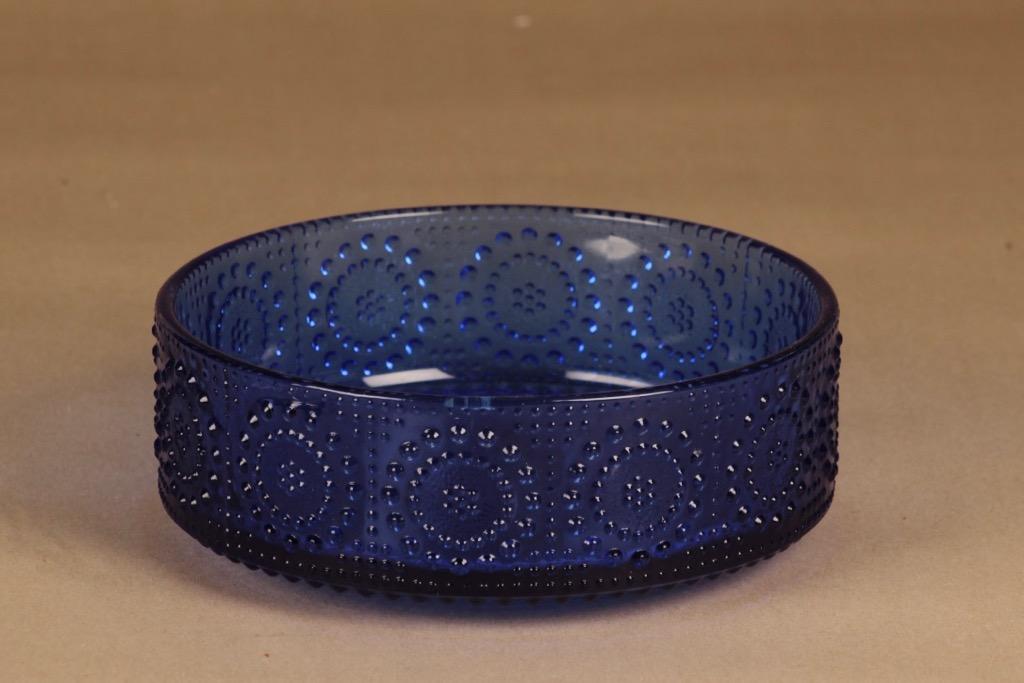 Riihimäen lasi Grapponia serving bowl, blue. designer Nanny Still