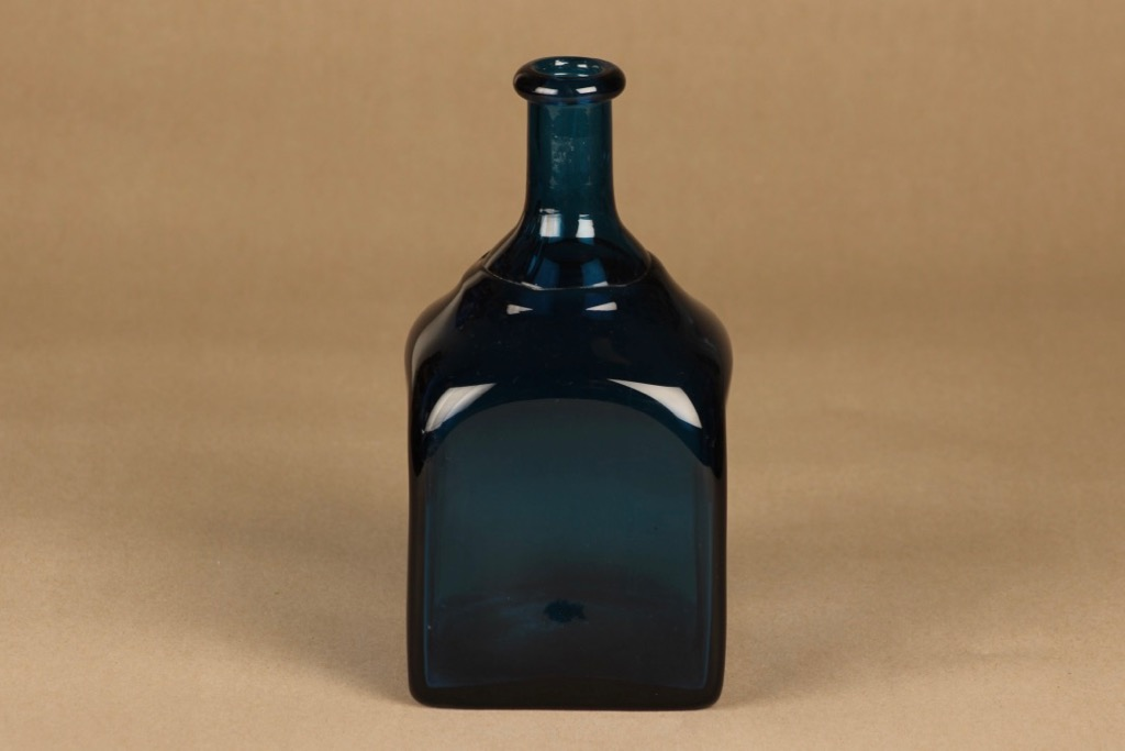 Riihimäen lasi taidelasipullo, turkoosinsininen, suunnittelija tuntematon,