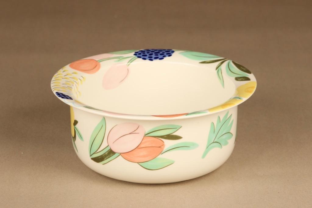 Arabia Poetica bowl designer Dorrit von Fieandt