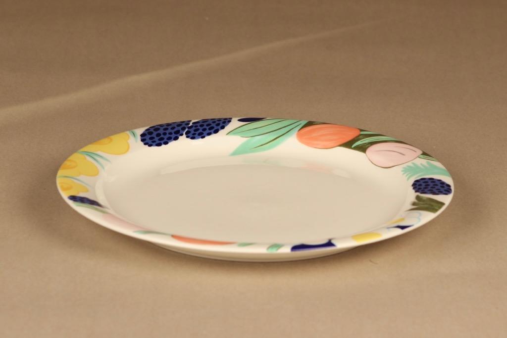 Arabia Poetica lautanen, 26 cm, suunnittelija Dorrit von Fieandt, 26 cm, kukka, serikuva