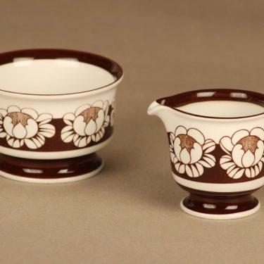 Arabia Katrilli sokerikko ja kermakko, ruskea, valkoinen, suunnittelija Esteri Tomula, serikuva, kukka