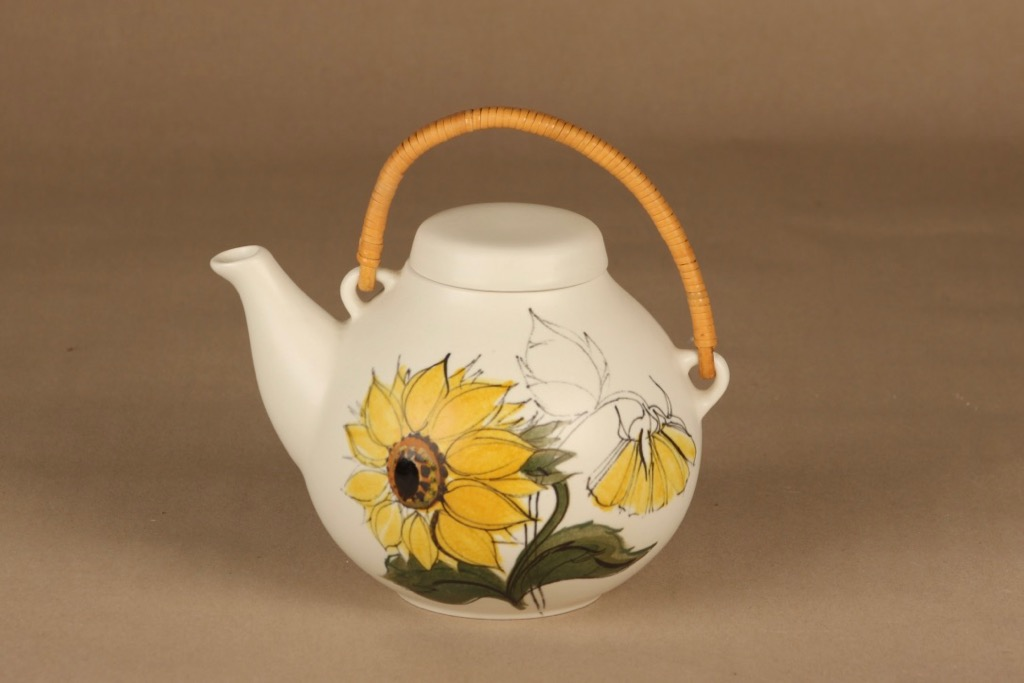 Arabia Kukka teekaadin, 1.6 l, suunnittelija Hilkka-Liisa Ahola, 1.6 l, auringonkukka, käsinmaalattu
